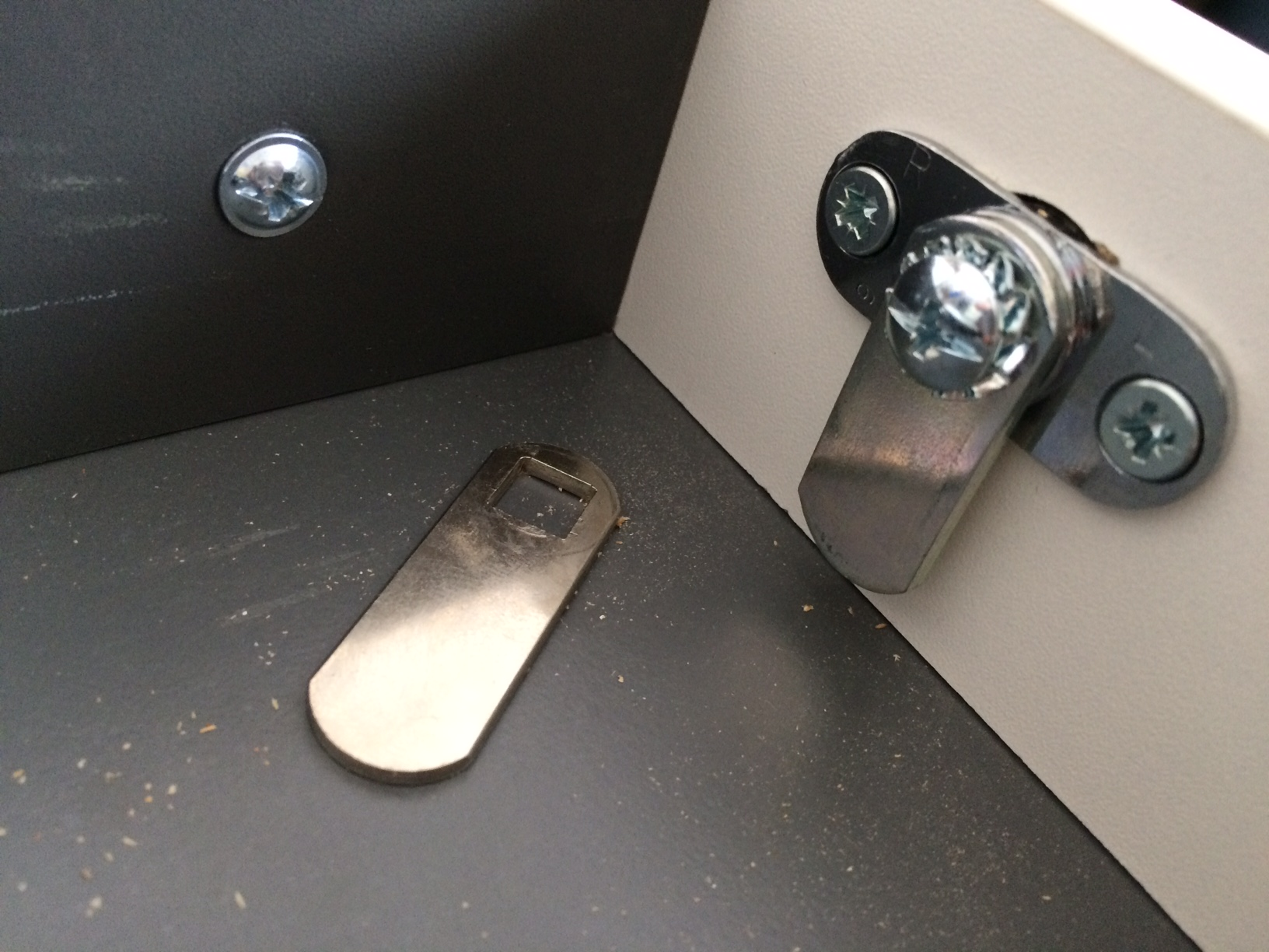 New Office Cam Lock 1